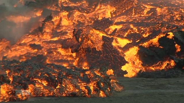 Un flot de lave du volcan Holuhraun coupe une route en Islande [RTS]