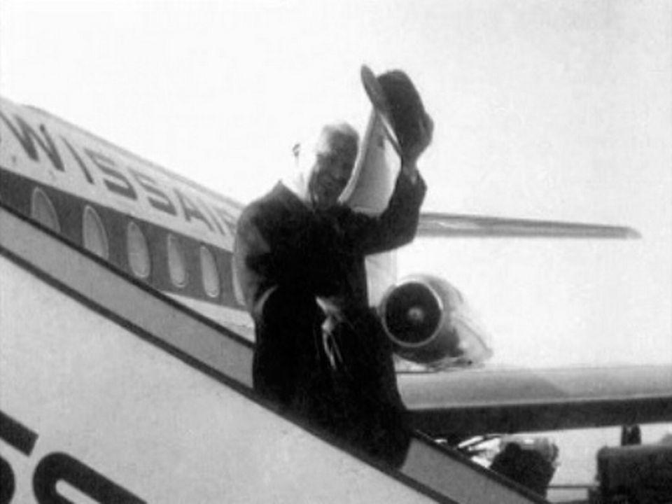 Charlie Chaplin atterrit à Cointrin à 1962. [RTS]