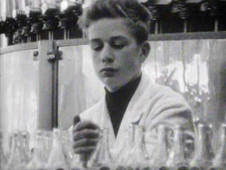 C'est le début de son apprentissage de brasseur chez Cardinal en 1968. [RTS]
