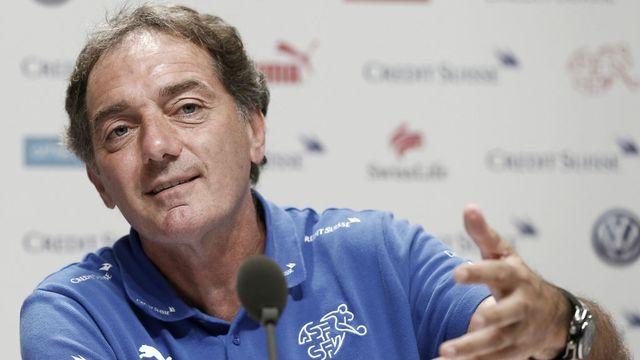 Michel Pont, coach-assistant de l'équipe suisse de foot lors d'une conférence de presse durant la Coupe du monde au Brésil en juin 2014. [Keystone]