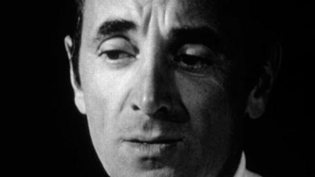 Un petit moment de bonheur avec Charles Aznavour. [RTS]