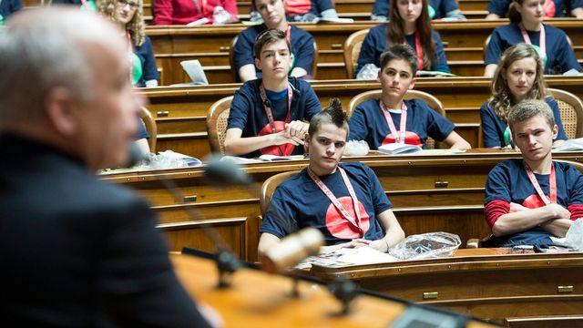 Le conseiller fédéral Ueli Maurer lors de la session du Parlement des jeunes en à  Berne en novembre 2013. [Peter Schneider - Keystone]