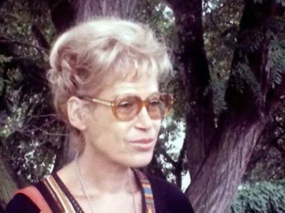 L'actrice Jacqueline Damien utilise des pilules bronzantes. [RTS]