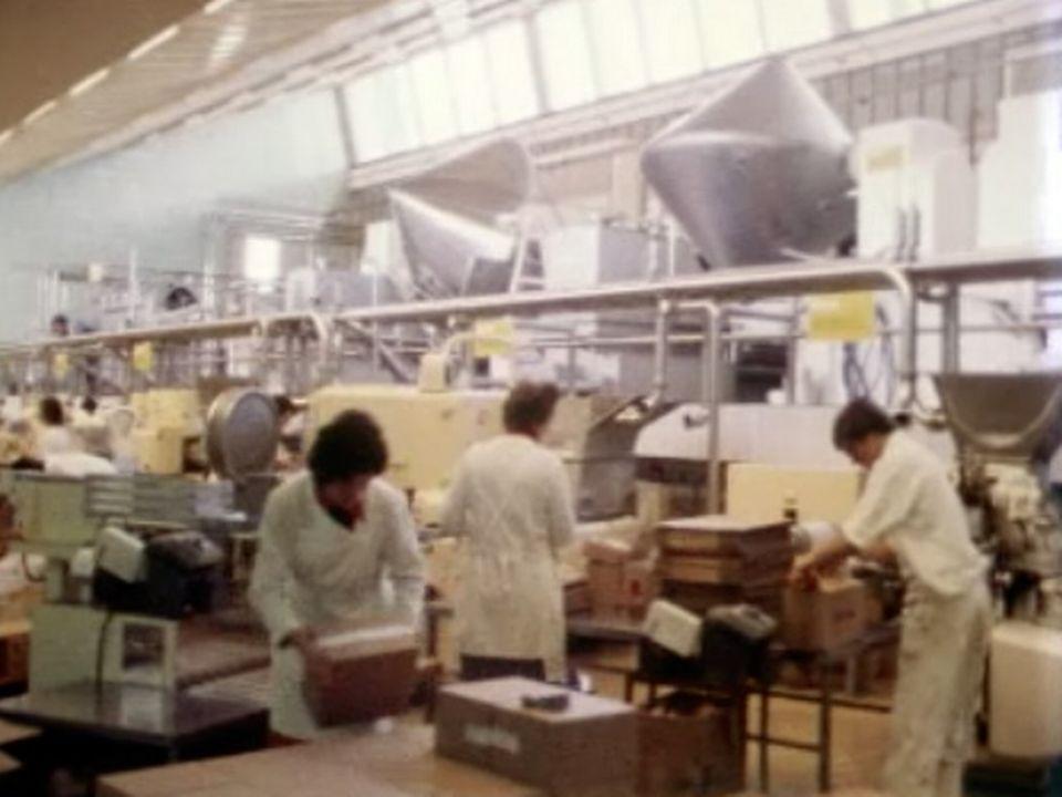 Deux fédérations de producteurs fribourgeois se retrouvent chez Cremo. [RTS]