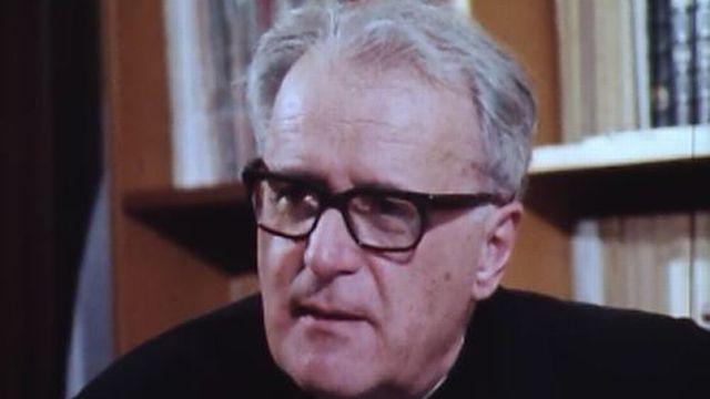 Fernand Boillat, chanoine, en 1977 [RTS]