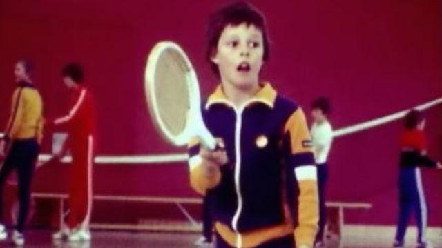 Cours de tennis en 1977 [RTS]