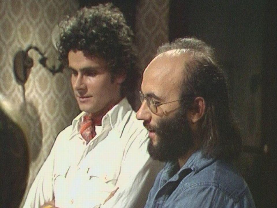 Les dessinateurs de BD Derib et Cosey sur le plateau en 1977. [RTS]