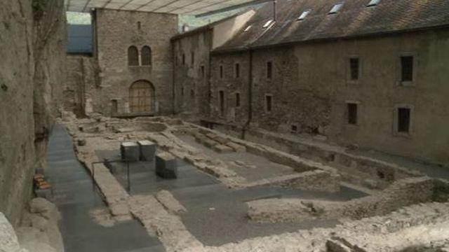 Fouilles archéologiques à l'Abbaye de saint Maurice [RTS]