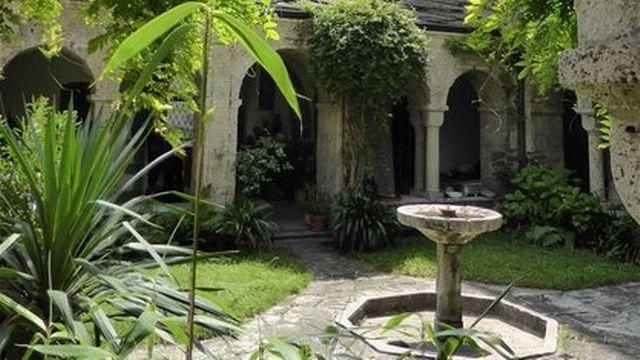 Le baptistère de l'abbaye de Saint-Maurice. [Albin Salamin - notrehistoire.ch]