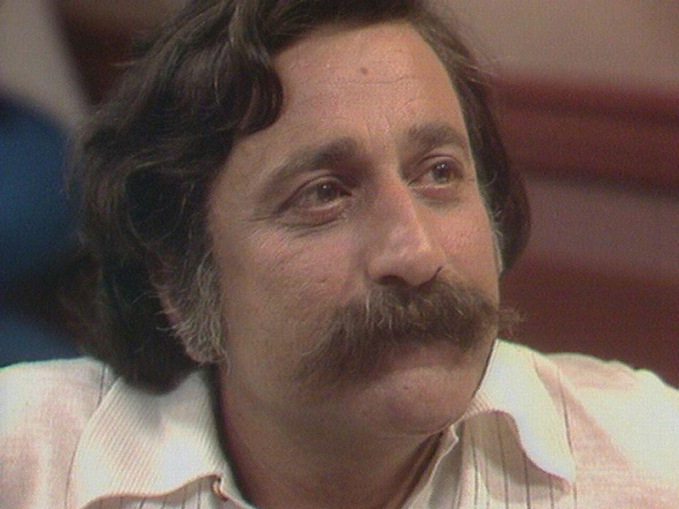 Fred, le dessinateur de BD sur le plateau du Musée des Bulles en 1976. [RTS]