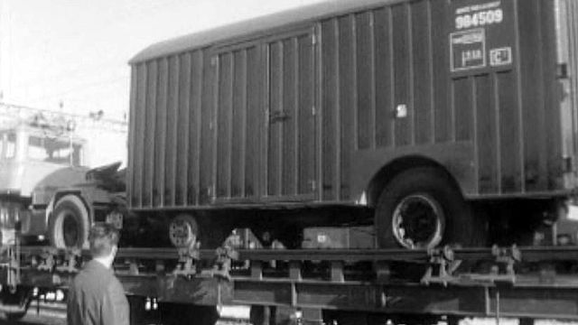 Le transport combiné avec des wagons des CFF sur la route.