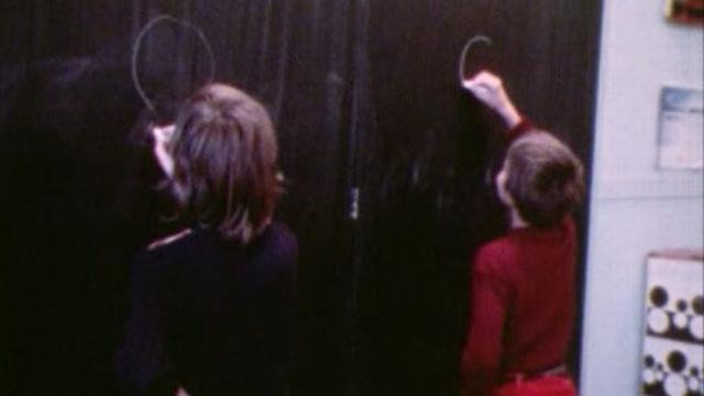 Les Vaudois, pionniers de l'éducation sexuelle à l'école en 1976. [RTS]