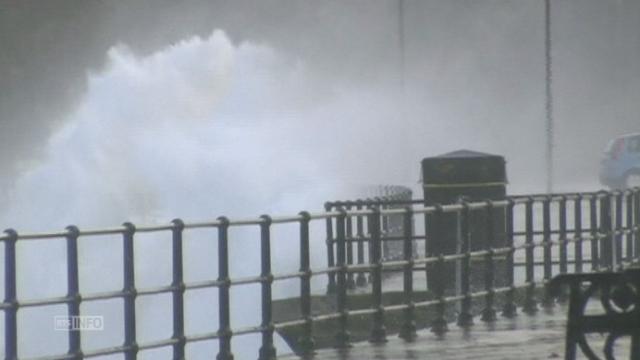 Mauvais temps en Grande Bretagne suite a l ouragan Gonzalo [RTS]