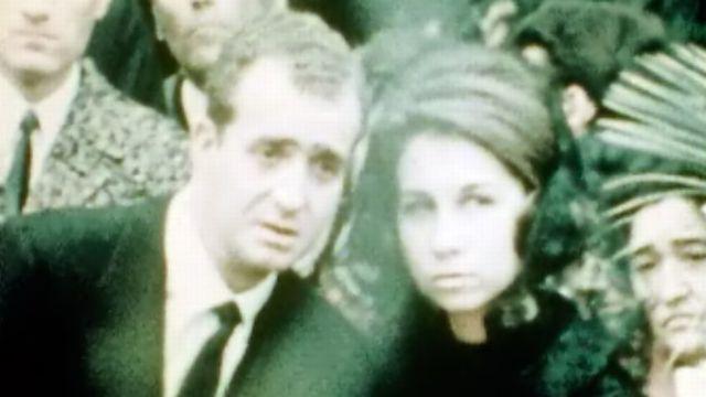 Le prince Juan Carlos est le successeur contesté du général. [RTS]