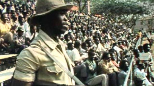 Rassemblement du MPLA à Lunanda, Angola, en 1975. [RTS]