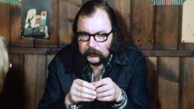 En 1975 paraît L'ardent royaume, une histoire d'amour troublée. [RTS]