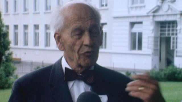 Interview du petit-fils de Daniel Peter en 1975. [RTS]