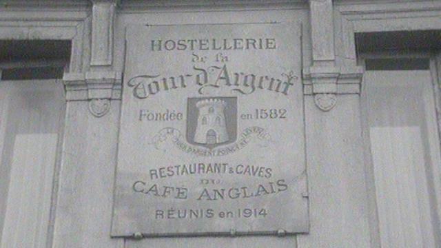 Le restaurant de La Tour d'Argent à Paris en 1972. [RTS]