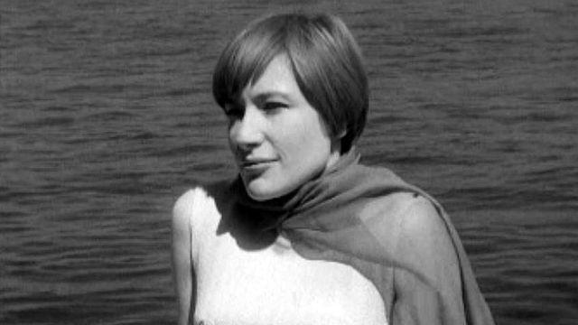 Jacqueline Dulac de passage à Genève chante: Ballade pour celui-là.