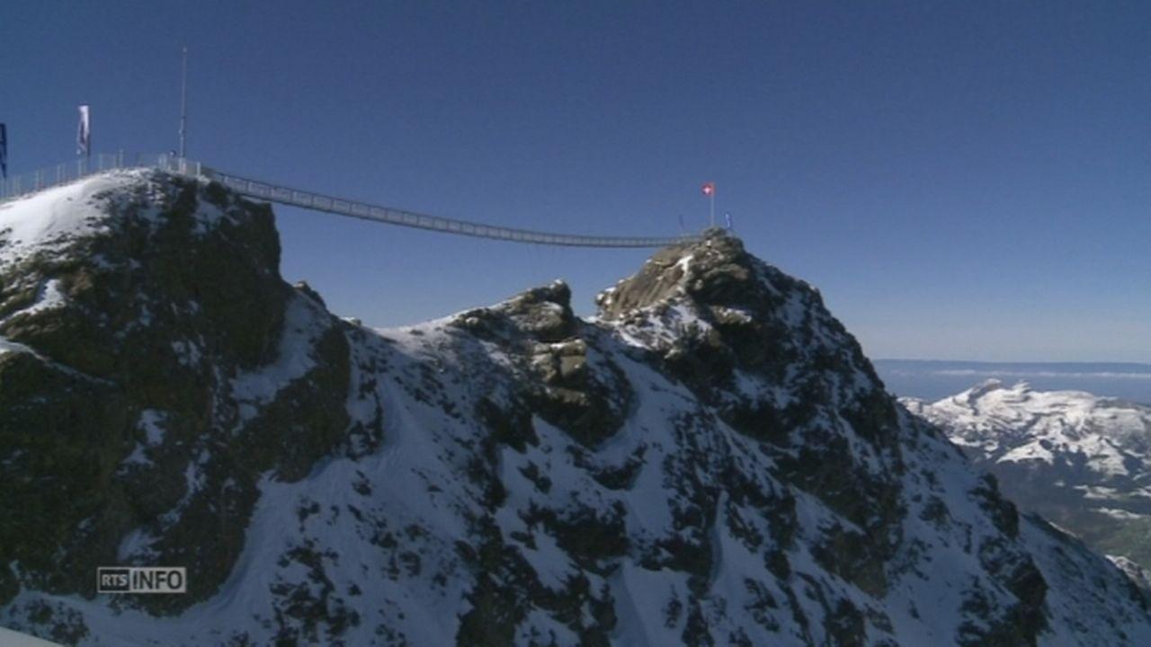 Un pont suspendu au-dessus des Diablerets [RTS]