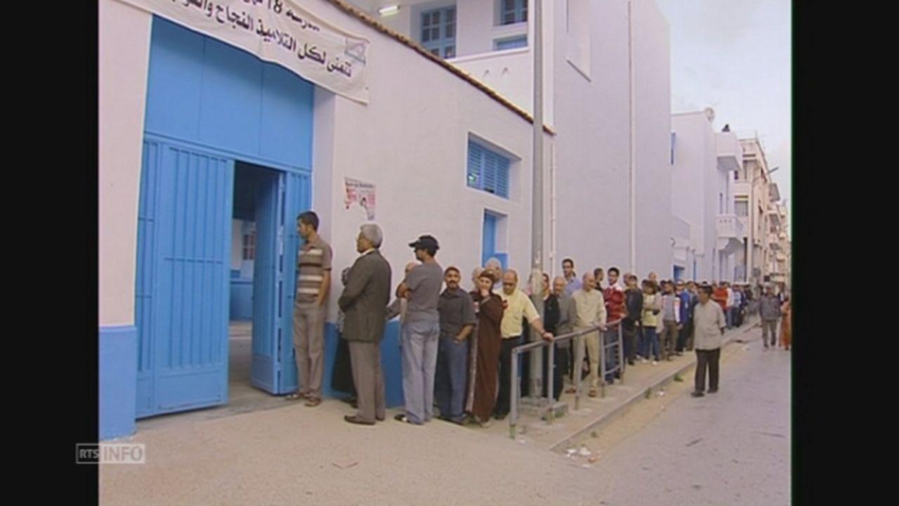 Les bureaux de vote pris d'assaut en Tunisie [RTS]