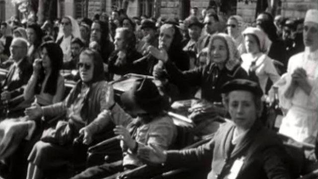 Lourdes fête le centenaire des visions de Bernadette Soubirous.