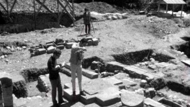 Le lent et méticuleux travail des archéologues au bord du Rhône.