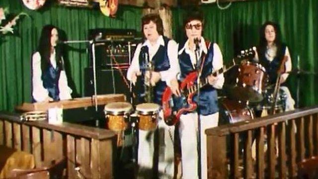 Qui sont ces quatre rockeuses qui chantent en anglais? [RTS]