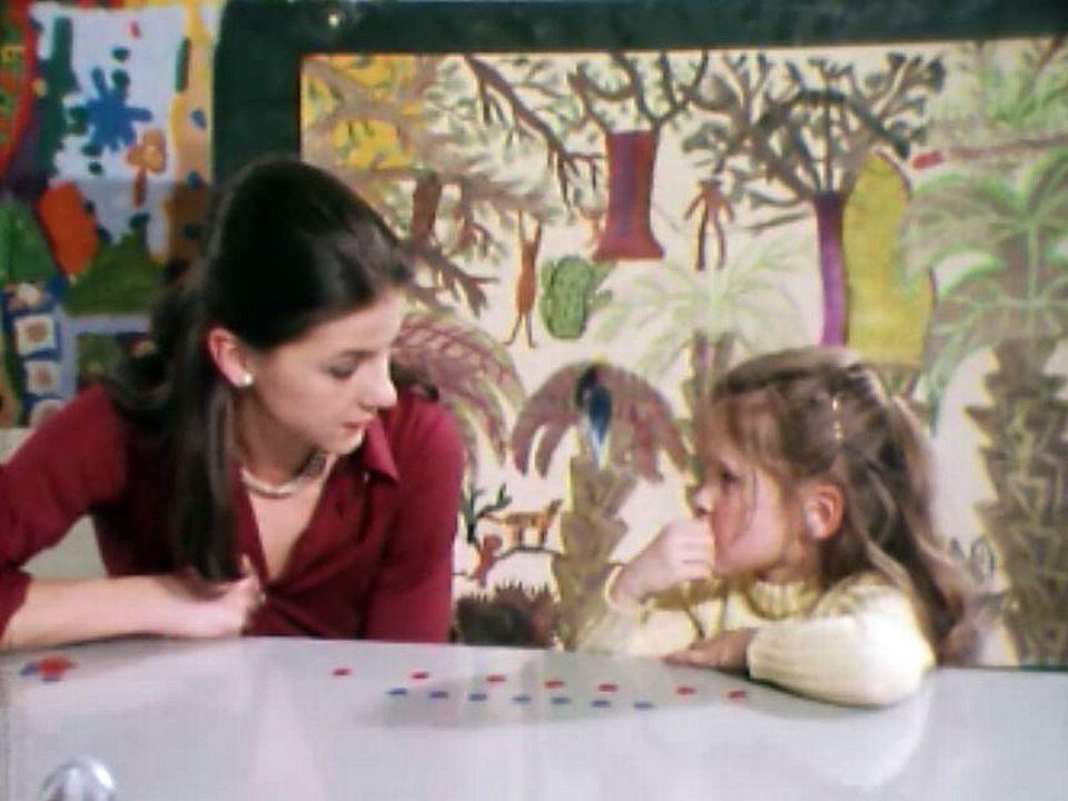 L'enfant est un inépuisable objet d'expériences pour Jean Piaget. [RTS]