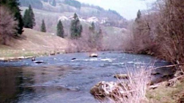 La rivière du Doubs est-elle réellement la moins polluée d'Europe? [RTS]