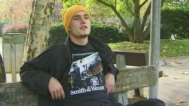 Bulltaré, ancien toxicomane devenu rappeur [RTS]