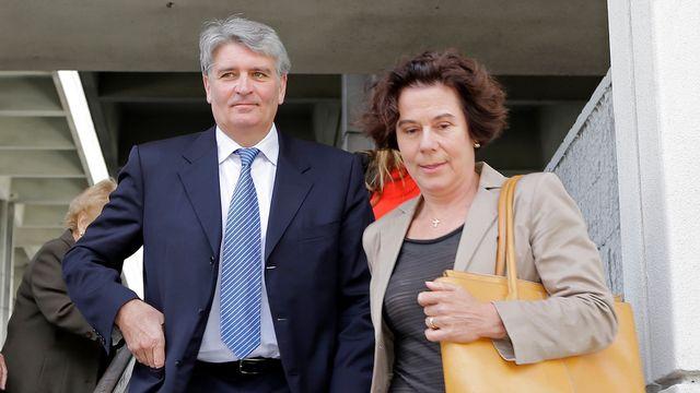 Raoul Weil et son épouse à la sortie du tribunal. [Alan Diaz - AP/Keystone]