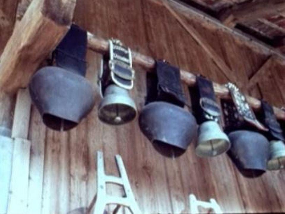 Cloches à la ferme de Taillemau [RTS]