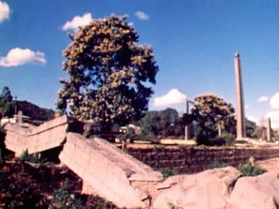 Dans les ruines des palais d'Axum, capitale d'un empire puissant.