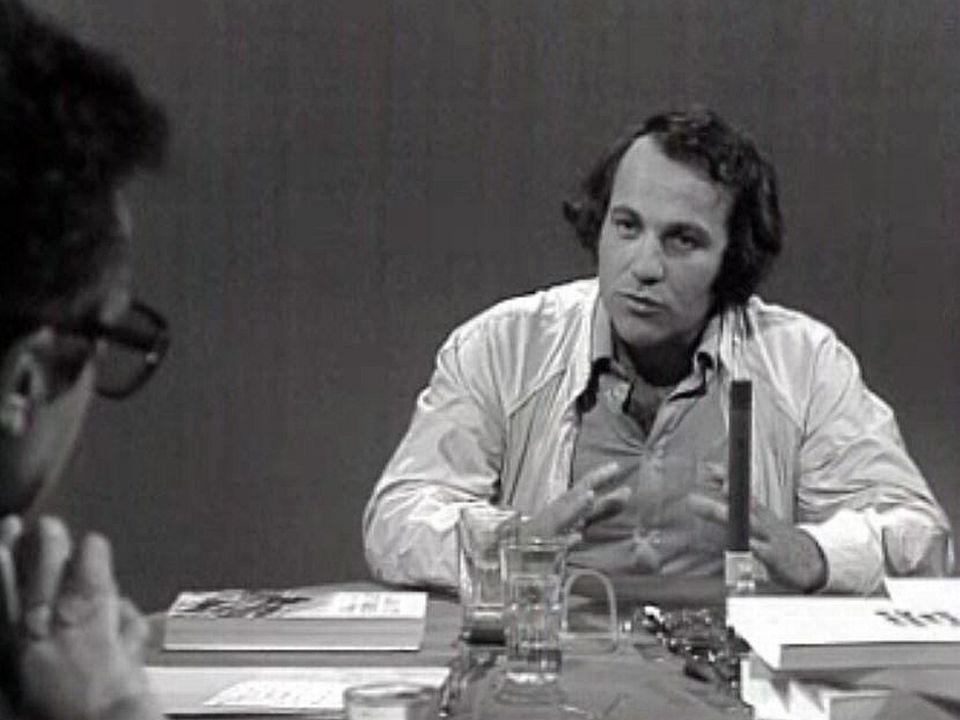 L'ethnologue valaisan Bernard Crettaz sur le plateau de la RTS. [RTS]