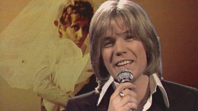 En 1973, Patrick Juvet chante Je vais me marier, Marie. [RTS]