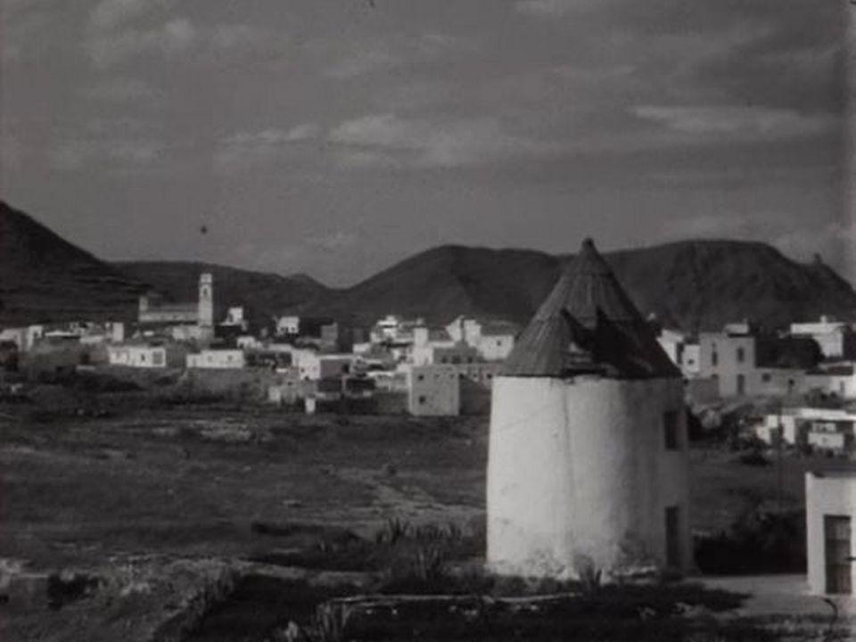 A la découverte de la douceur de vivre dans un village andalou. [RTS]