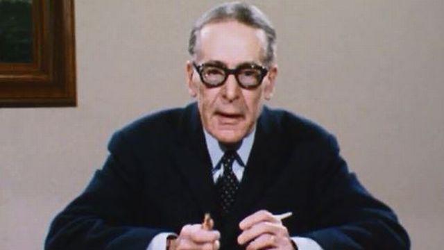 Henri Guillemin répond aux critiques du structuralisme. [RTS]