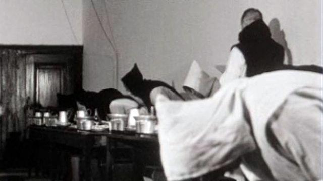 Etudes, prières, travail manuel : la vie des moines trappistes.