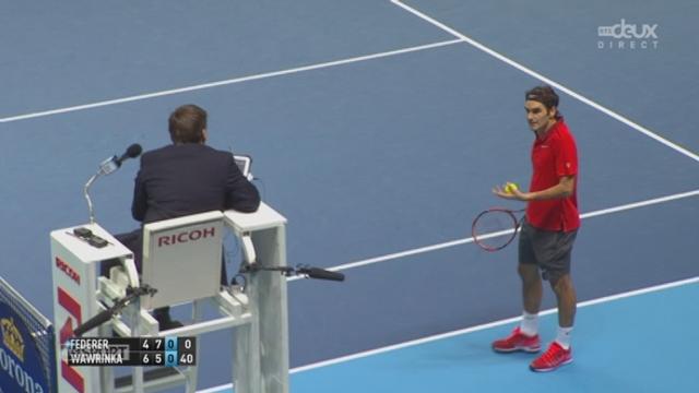 1-2, Federer - Wawrinka (4-6, 7-5, 0-0): à 0-40, Federer conteste une décision arbitrale et finit par concéder le break [RTS]