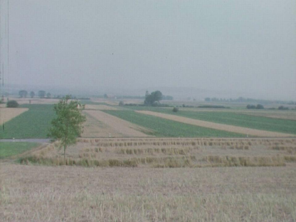 Une ferme, deux cantons. [RTS]
