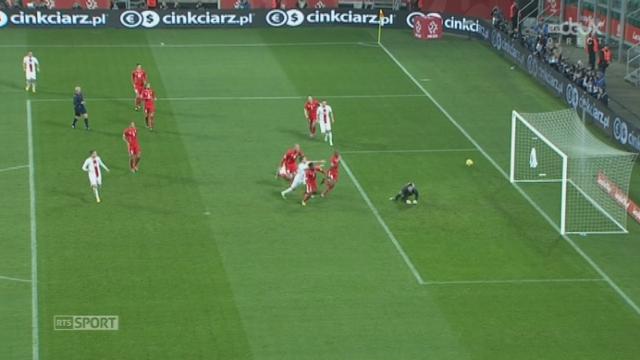 Pologne - Suisse (0-1): réaction polonaise par Lewandowski qui frappe mais trouve Bürki [RTS]