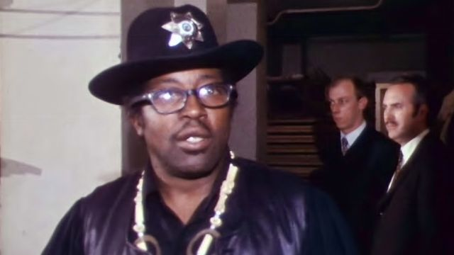 Coulisses en1972 avec Bo Diddley. [RTS]