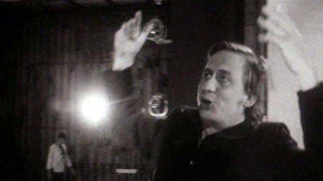 """Georges Wod s'anime pendant les répétitions de """"La nuit des rois"""". [RTS]"""