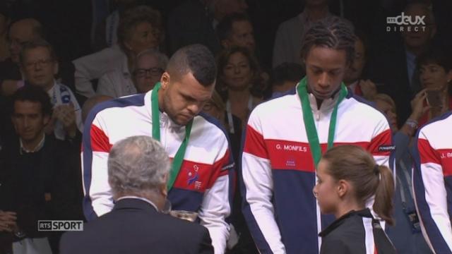 Remise des médailles à l'équipe de France [RTS]