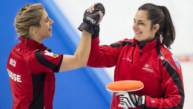 Christine Urech et Binia Feltscher peuvent sourire avec deux victoires dimanche. [Jean-Christophe Bott - Keystone]
