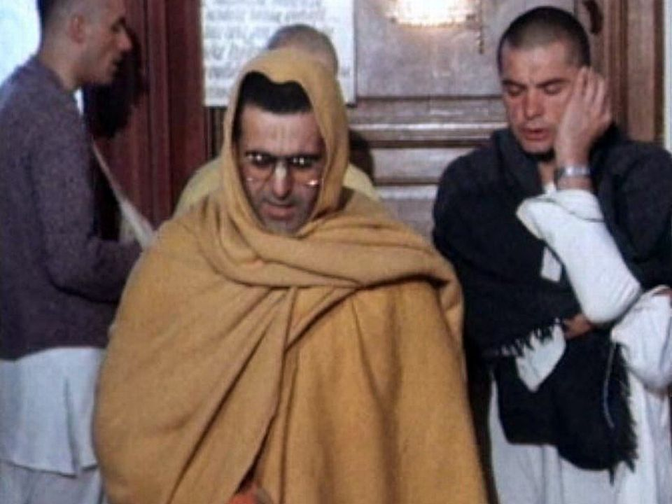 Comment vivent les adeptes de la secte d'Hare Krishna? [RTS]