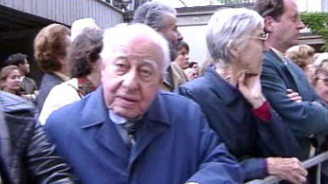 Hommage de la foule aux obsèques de Jean-Pascal Delamuraz.