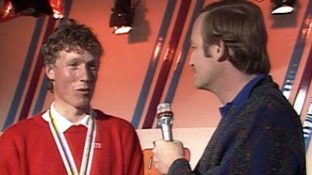 Le Suisse premier devant deux légendes: Girardelli et Tomba. [RTS]