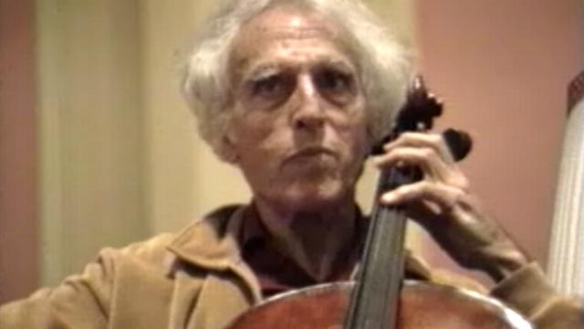 Que du bonheur à l'écoute du violoncelliste français Paul Tortelier. [RTS]